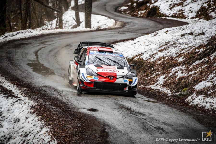 Rally Monte Carlo 2021, Sebastian Ogier inizia alla grande la stagione. Secondo posto per Elfyn Evans
