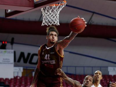 Basket: Reyer Venezia, Isaac Fotu bloccato da una lesione muscolare alla gamba sinistra