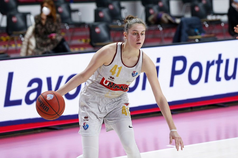 Basket femminile, EuroCup 2021: la Reyer Venezia domina contro il Friburgo