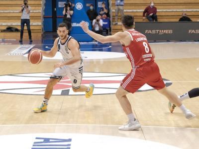 Basket, 17^ giornata Serie A 2021: Sassari seconda in solitaria, vincono Venezia e Pesaro