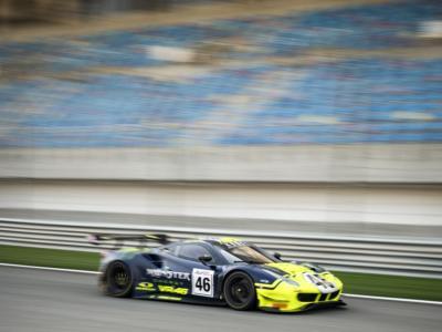 LIVE 12 Ore del Golfo in DIRETTA: Valentino Rossi conquista il 3° posto in PRO-Am! McLaren vince la gara assoluta con 2 Seas Motorsport