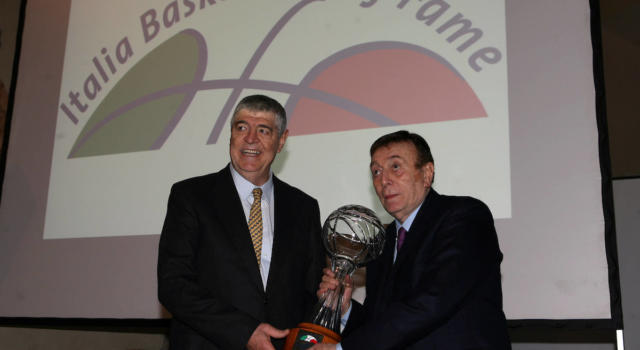 """Basket: è morto Gianfranco """"Dado"""" Lombardi, istituzione della pallacanestro italiana"""