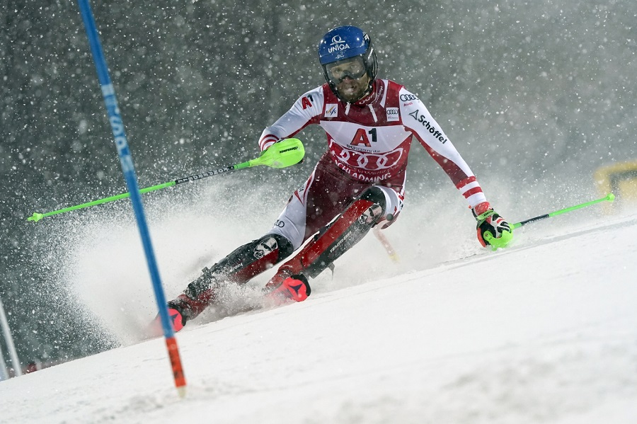 Sci alpino, Marco Schwarz vince la 'night race' di Schladming, out Feller. Ottavo Manfred Moelgg