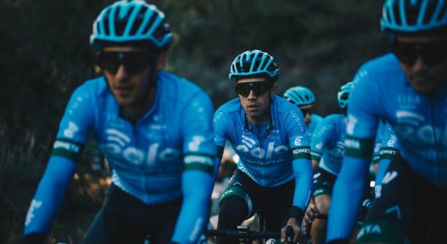 Ciclismo, la Eolo-Kometa è pronta per l'esordio: si parte dalla Clàssica Comunitat Valenciana