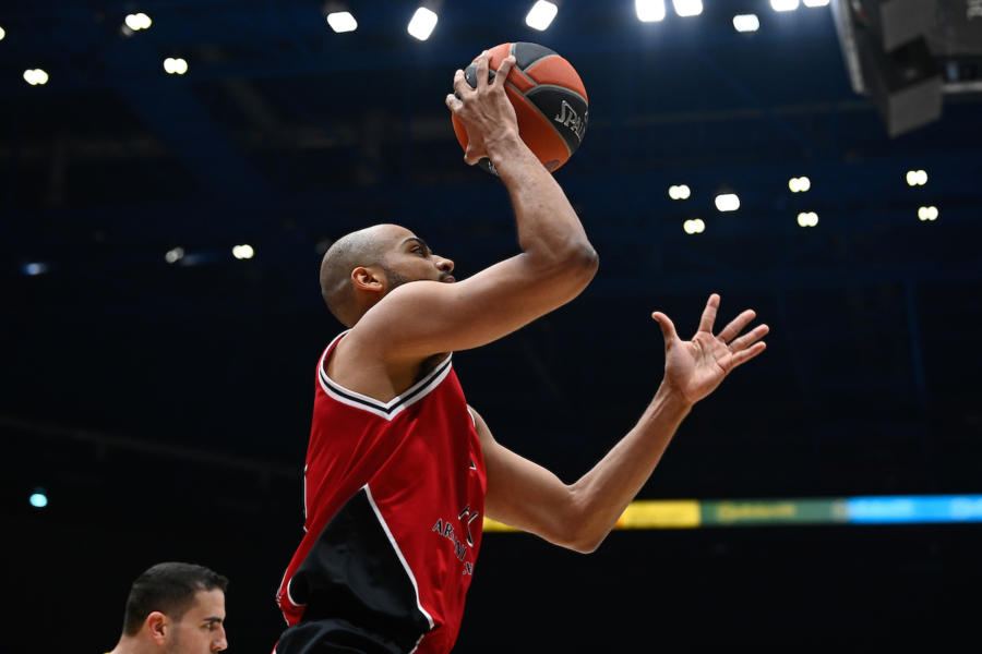 LIVE Olimpia Milano Khimki Mosca 75 61, Eurolega basket in DIRETTA: ultimi 5? di gioco, meneghini in controllo
