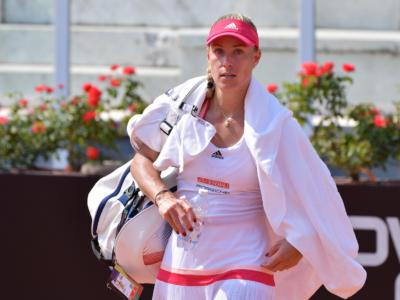 WTA Melbourne 3, concluso il primo turno. Angelique Kerber in tre set su Siniakova, in scioltezza Anett Kontaveit e Jennifer Brady