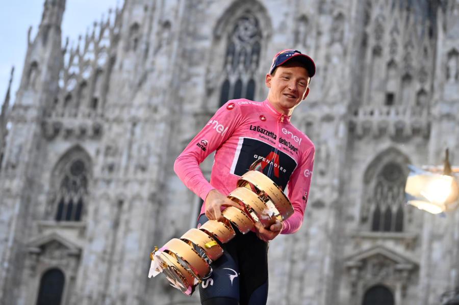 LIVE Giro d'Italia 2021    presentazione in DIRETTA    giù i veli sul percorso    c'è lo Zoncolan?