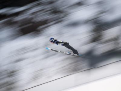 Salto con gli sci femminile, Sara Takanashi fa doppietta a Hinzenbach davanti a Kriznar e Opseth. 19ma Lara Malsiner