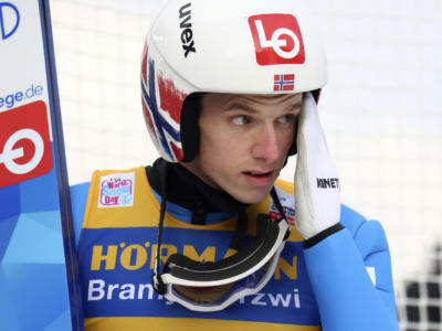 Salto con gli sci: il prologo di Klingenthal lo vince Granerud su Pavlovcic e Kubacki