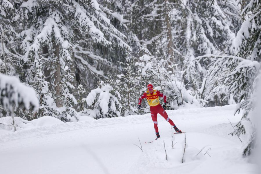 LIVE Sci di fondo, 15 km Mondiali in DIRETTA: tripletta norvegese! Holund batte Krueger ed Amundsen. Quarto Bolshunov