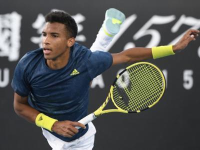 Tennis, ATP Melbourne 2: Evans e Auger-Aliassime in finale, sconfitti Chardy e Moutet