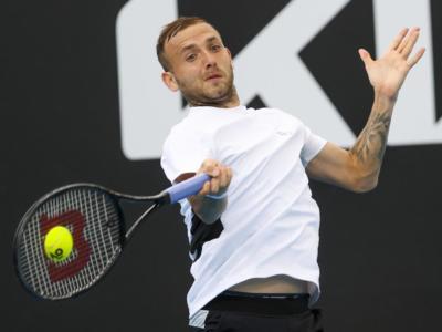 Tennis, ATP Melbourne 2: Evans e Chardy in semifinale. Eliminato Kyrgios, Wawrinka si ritira