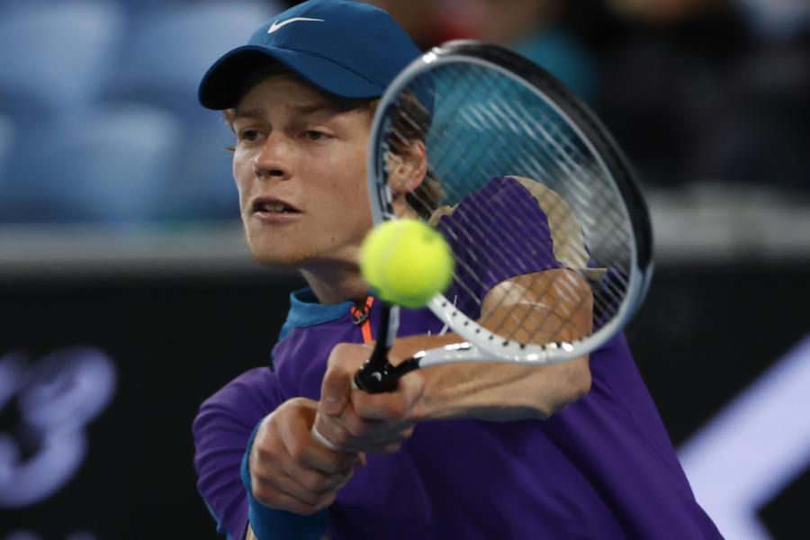 """Tennis, Jannik Sinner: """"Il mal di schiena non ha inciso. Solo colpa mia se ho perso con Bedene"""""""
