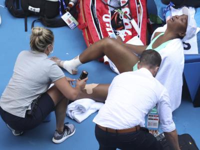 VIDEO Australian Open 2021: l'infortunio di Venus Williams nel match contro Sara Errani