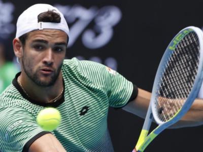 Australian Open 2021, risultati quarta giornata. Avanzano Berrettini e Fognini, Sonego cede alla distanza. Bene Nadal e Medvedev, Tsitsipas al quinto su Kokkinakis