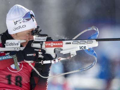 Biathlon, Tiril Eckhoff fa la storia nella sprint dei Mondiali. Quinta Lisa Vittozzi, lontana Wierer