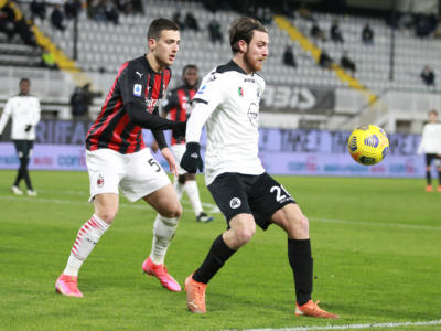 VIDEO Spezia-Milan 2-0: highlights e sintesi. Gol spettacolare di Bastoni, dominio dei padroni di casa