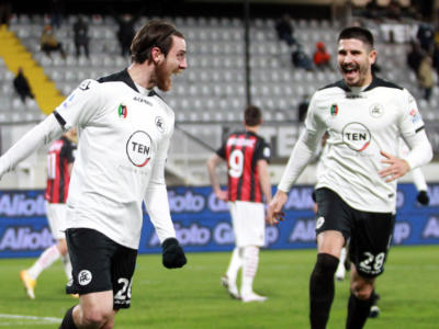 Calcio, Serie A 2021: show dello Spezia, battuto 2-0 il Milan capolista