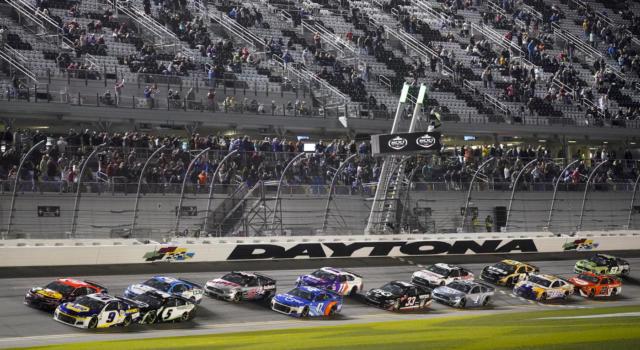 NASCAR, Chase Elliott cerca di entrare nella storia, ma nulla è scontato