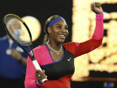 """Australian Open, Serena Williams sul ko con Naomi Osaka: """"Ho compiuto troppi errori"""". Poi le lacrime"""