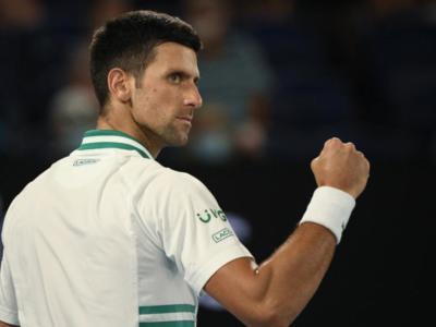 """Australian Open 2021, Novak Djokovic: """"Ringrazio il mio fisioterapista per avermi fatto giocare. Medvedev-Slam, questione di tempo"""""""