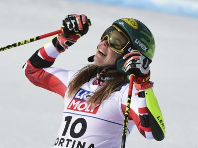 VIDEO Katharina Liensberger vince lo slalom dei Mondiali. Secondo oro. Distacchi abissali per Vlhova e Shiffrin