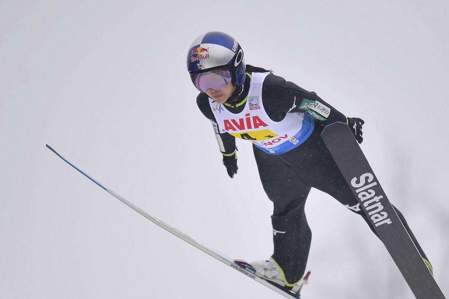 Salto con gli sci, gara femminile trampolino piccolo Mondiali Oberstdorf 2021. Sara Takanashi sfida la maledizione dell'oro