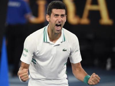 Australian Open 2021: Novak Djokovic dice 18. Daniil Medvedev dura un set, poi il serbo è travolgente