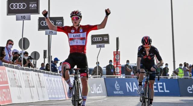 VIDEO UAE Tour, highilights e sintesi terza tappa: Pogacar batte Adam Yates sull'arrivo in salita
