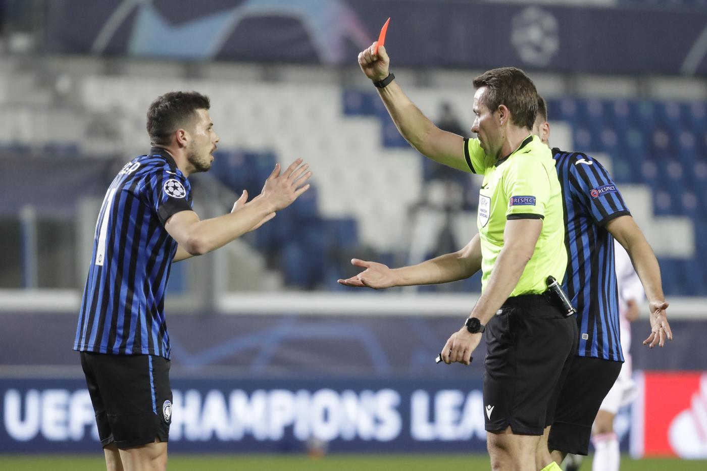 Calcio, l'Atalanta regge a lungo in dieci contro il Real Madrid ma nel finale cede per 0 1 negli ottavi di Champions League