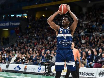 Basket: Henry Sims ritorna dalla Corea del Sud e firma a Reggio Emilia
