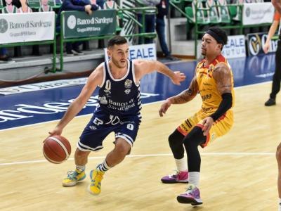 LIVE Dinamo Sassari-Pesaro 110-115, Coppa Italia basket in DIRETTA: colpaccio dei marchigiani all'overtime, semifinale!