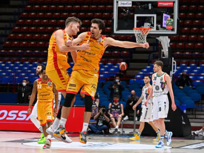 Basket, Pesaro fa l'impresa! Sassari eliminata dalla Coppa Italia dopo un supplementare