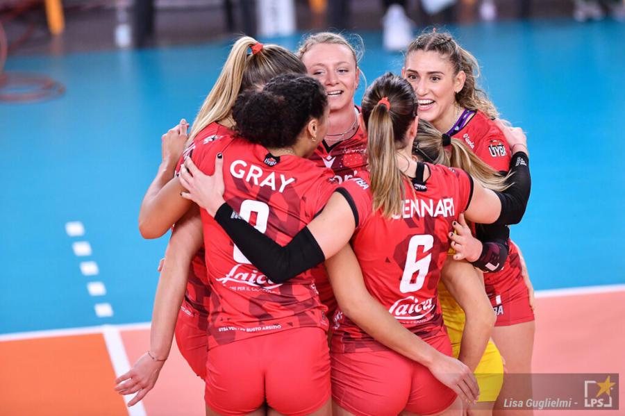 LIVE Busto Arsizio Eczacibasi Istanbuln 1 1, Champions League volley in DIRETTA: Farfalle avanti nel terzo parziale, si può fare!