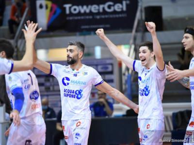 Volley, SuperLega: Cisterna schianta Vibo Valentia nell'anticipo, Giulio Sabbi da 32 punti