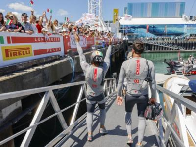 America's Cup, Pitbull vs Pistol Pete: battaglia totale. Spithill e Bruni contro Burling, Luna Rossa-New Zealand si infiamma