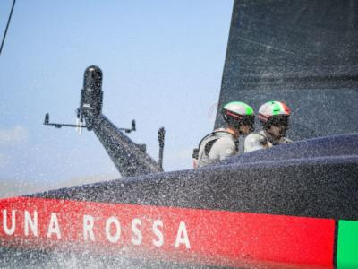 VIDEO Luna Rossa-New Zealand, rivivi gara-2 delle World Series. Regata pazzesca, decisa per 16″
