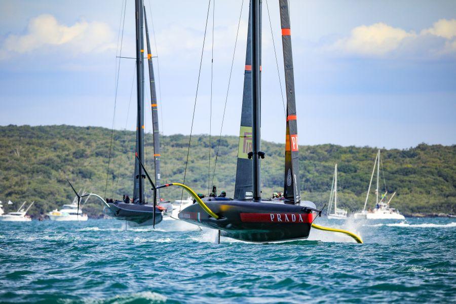 Luna Rossa torna in acqua e prova i nuovi foil! Allenamento verso l'America's Cup – VIDEO