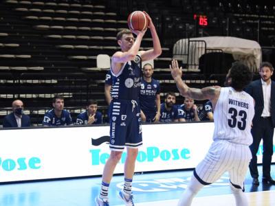 Basket, la Dinamo Sassari passa sul campo della Fortitudo Bologna nell'anticipo della 19a giornata di Serie A