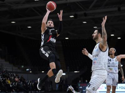 LIVE Virtus Bologna-Varese 85-76, Serie A basket in DIRETTA: V nere vittoriose, Adams e Belinelli sugli scudi
