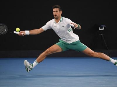 """Tennis, Novak Djokovic: """"Dovrò stare fermo per qualche tempo a causa dell'infortunio"""""""
