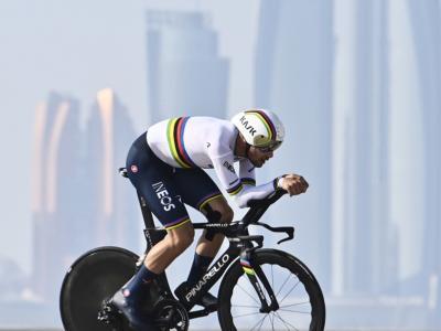 VIDEO Filippo Ganna domina ancora a cronometro: la vittoria nella seconda tappa dell'UAE Tour 2021
