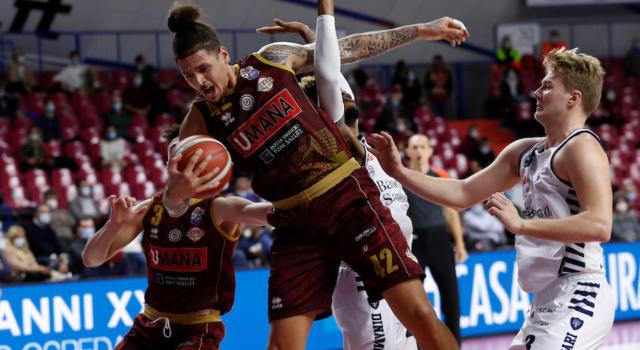 LIVE Dinamo Sassari-Venezia 96-88, Serie A basket in DIRETTA: Sassari vince e conquista il vantaggio negli scontri diretti