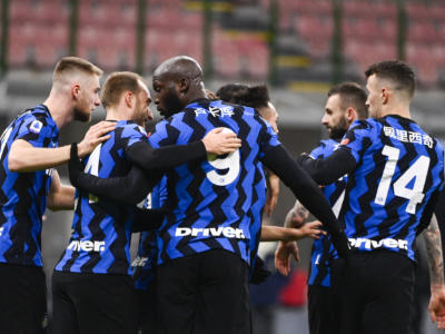 Calcio, Serie A 2021: l'Inter stende la Lazio per 3-1 e sale in vetta alla classifica