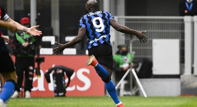 Calcio, Lautaro Martinez e Lukaku fanno volare l'Inter, Milan ko