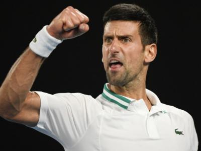LIVE Djokovic-Medvedev 7-5 6-2 6-2, Finale Australian Open in DIRETTA: il serbo domina e conquista il 9° trionfo a Melbourne