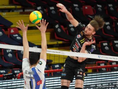 LIVE Civitanova-Zaksa Kedzierzyn Kozle 1-3, Champions League volley in DIRETTA. Marchigiani demoliti! Serve il miracolo in Polonia