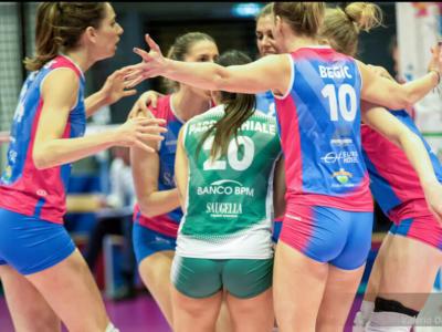Volley femminile, serie A1 23. giornata. Battaglia Chieri-Scandicci per il quarto posto, Novara quasi seconda. Brescia riapre la lotta salvezza