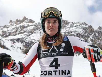 Sci alpino, Liensberger comanda su Vlhova in slalom. Shiffrin insegue ad oltre un secondo. Male le azzurre