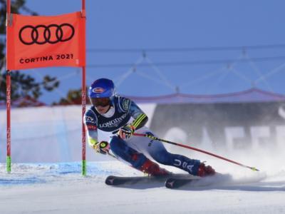 Sci alpino, Mikaela Shiffrin in testa al gigante dei Mondiali. Flop Italia: Bassino fuori dalle 10, out Brignone